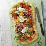 Garlic pizza with tomato & mozzarella