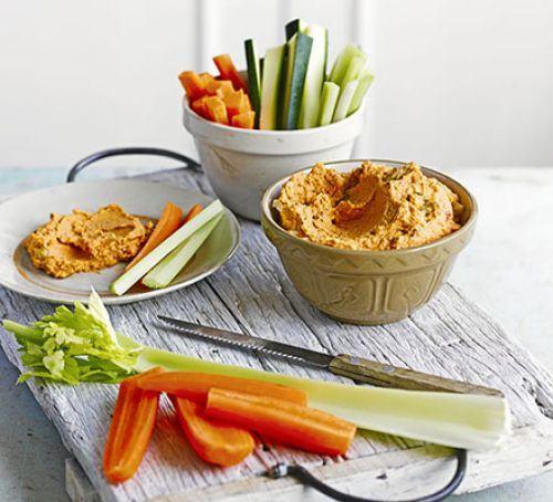 Pepper & walnut hummus with veggie dippers Recipe