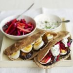 Egg & veggie pittas