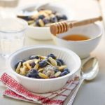 Vanilla-almond chia breakfast bowl