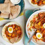 Potato, pea & egg curry rotis