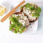 Salmon & chive bagel topper