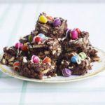 Crispy chocolate fridge cake