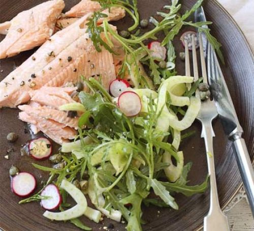 Baked trout with fennel, radish & rocket salad Recipe