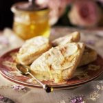 Griddle scones with honey