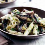 Herby mushroom pasta