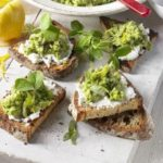 Pea & broad bean hummus with goat's cheese & sourdough