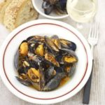 Mussels in red pesto
