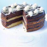 White & dark chocolate cake