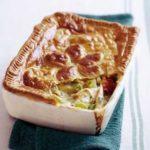 Chicken, leek & parsley pie
