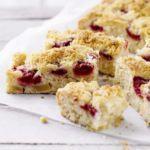 Raspberry & apple crumble squares