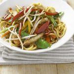 Noodles with stir-fried chilli veg