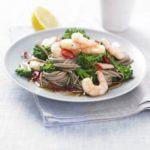 Teriyaki prawns & broccoli noodles