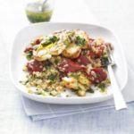 Quinoa salad with grilled halloumi