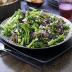 Stir-fried broccoli with coconut