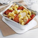 Creamy pesto & chicken pasta salad