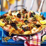 Seafood fideua