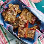 Strawberry & cinnamon streusel bars