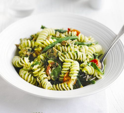 Tuna pasta with rocket & parsley pesto Recipe